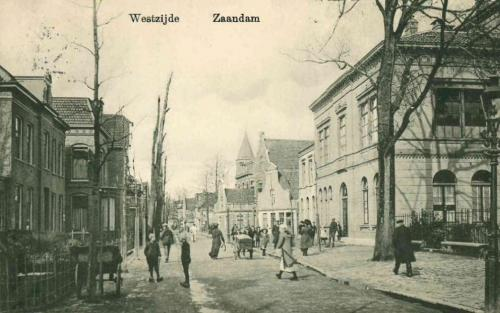 Ansichtkaart van de Westzijde in Zaandam