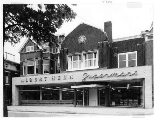 De Albert Heijn supermarkt aan de Westzijde